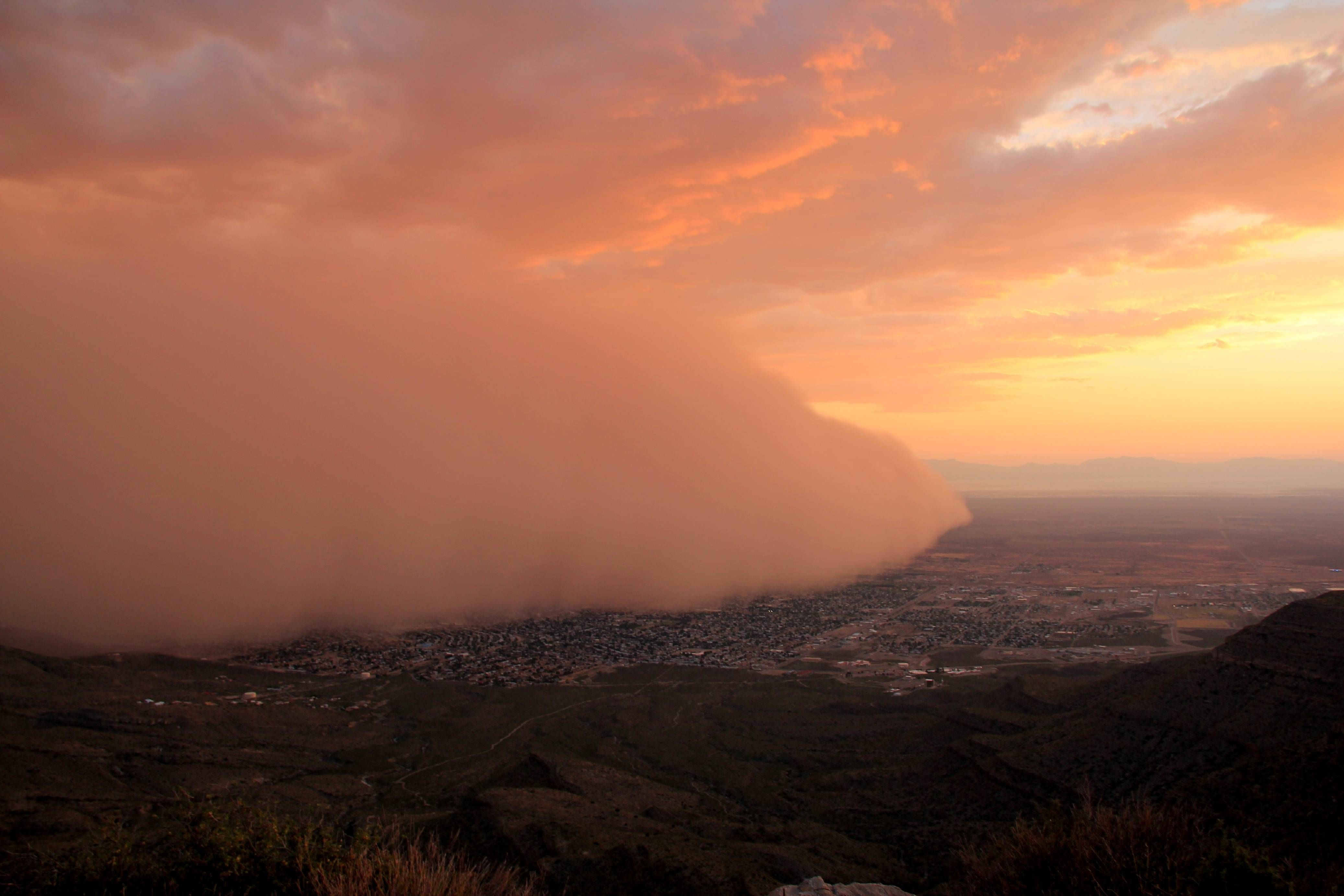 Dust Storm Over Alamogordo New Mexico 4147x2765 With Images