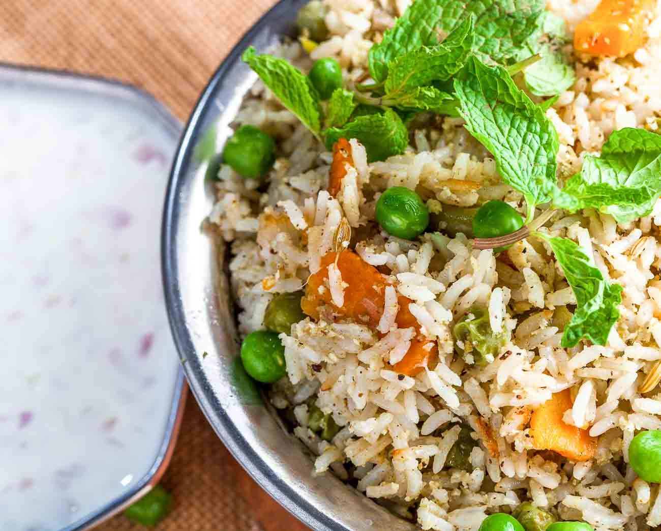 The food from the Chettinad Cuisine is spicy and aromatic. You must try our special recipe of Chettinad Vegetable Pulao made with a rich blend of spices and silver range of Kohinoor Super Basmati Rice for its great aroma slender grains & buttery taste. Serve it along with Vegetable Kurma for a scrumptious lunch or dinner. --> http://ift.tt/2ayKrhs #Vegetarian #Recipes