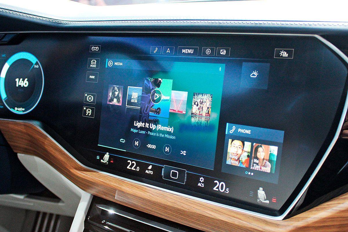 Volkswagen T-Prime Concept GTE écran géant