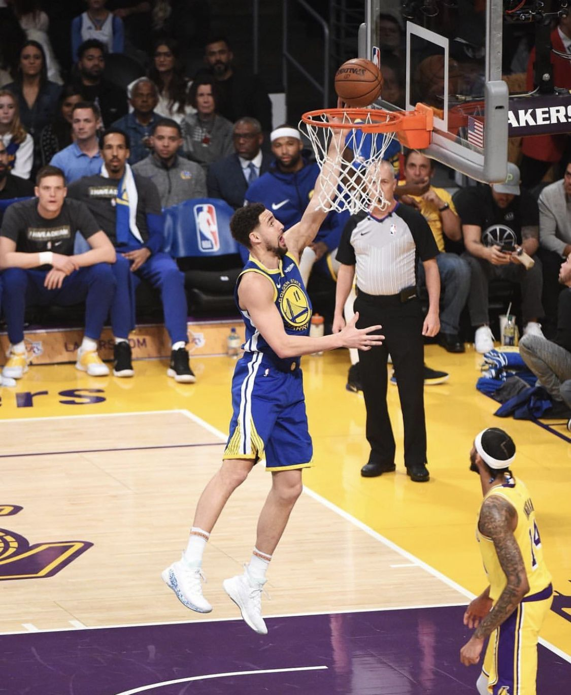 Los Angeles California 1 21 19 Klaythompson Showcased Another Outburst On Scoring 44 Points As He Became F Klay Thompson Nba Champions Basketball Skills
