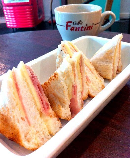 レシピとお料理がひらめくSnapDish - 9件のもぐもぐ - sandwich Ham cheese  by Toa Nakarat