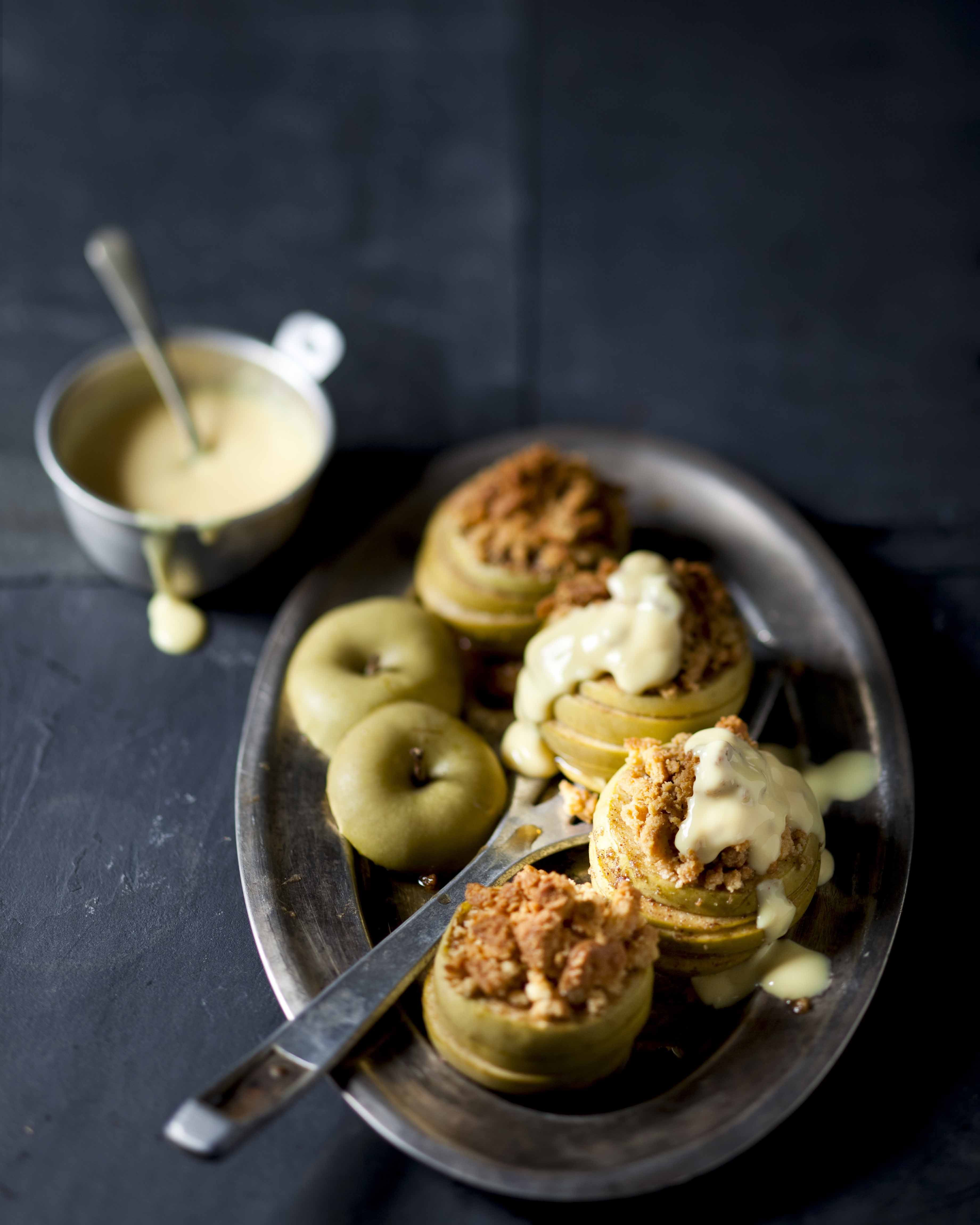 Baked apples with tennis biscuit crumbs and custard - A super-quick apple crumble! #Apples #Recipe >>> http://www.picknpay.co.za/recipe-search-results/baked-apples-with-tennis-biscuit-crumbs-and-custar