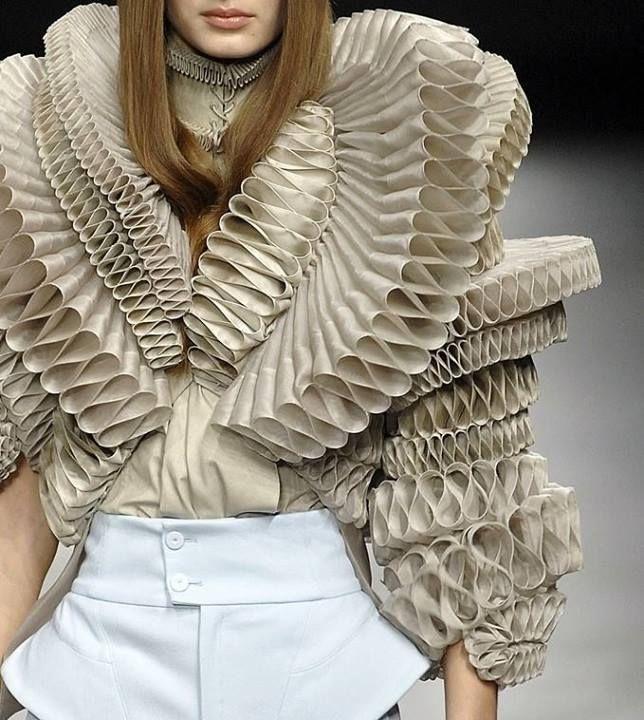 La maison de haute couture givenchy pour la collection printemps t 2008 pli en 2019 mode - Couture pour la maison ...