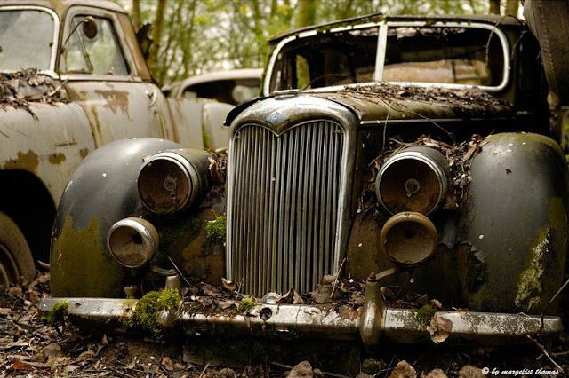 H.I.A.T. - Hey, I abandoned that!: Old abandoned cars in Switzerland