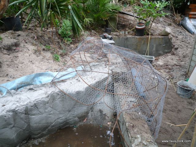 Etape 1 faux rocher mise en place de la structure faux - Comment provoquer une fausse couche naturellement ...