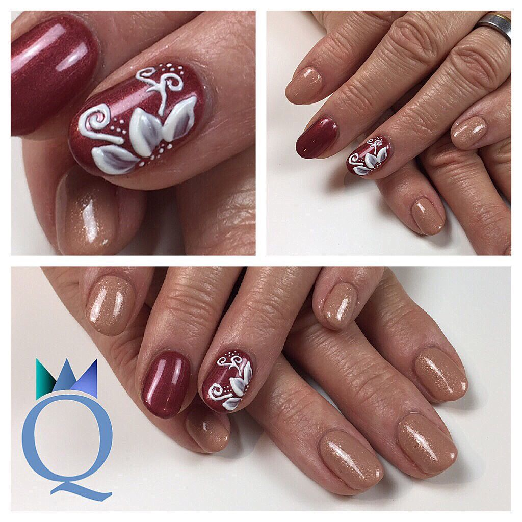 shortnails #gelnails #nails #beige #red #handpainted #3dnailart ...