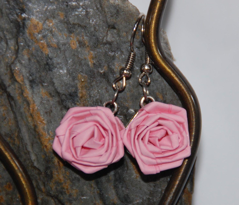 """Pendientes quilling en forma de Rosa roja"""", joyería para regalos del día de la madre. de ZonaArtiFils en Etsy"""