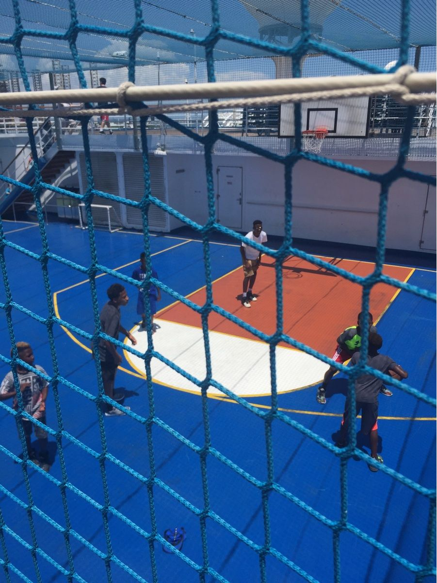 Basketball court on Carnival Liberty | Carnival liberty ...