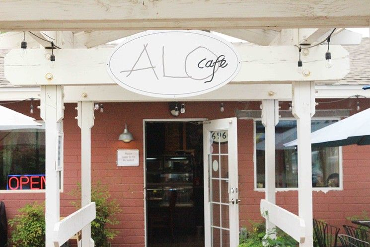 The Outside Of Alo Cafe In Downtown Scottsdale Restaurants