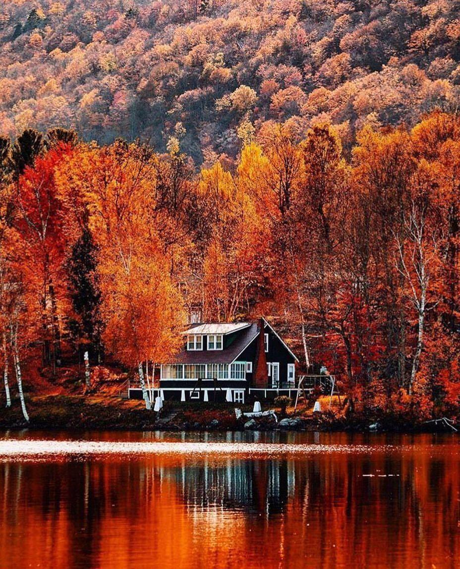 именем картинки осень на загородном доме город