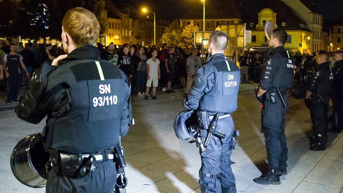 Polizei rechnet mit mehr Einsätzen: Rechte in Bautzen sagen Demo ab