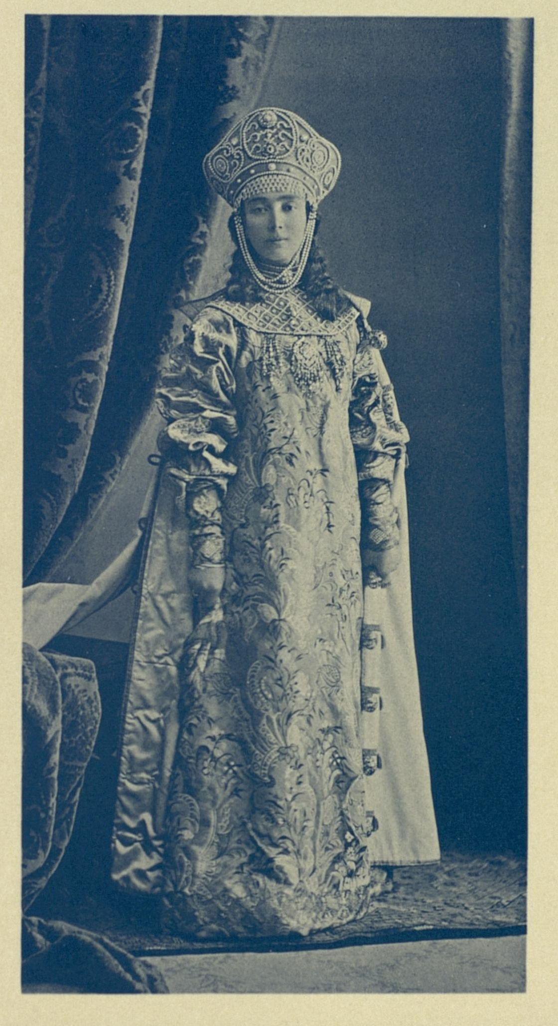 Princess Elizabeth (Elizaveta) Nikolaevna Obolenskaya, the Lesser, in 17th-century boyarishnya's attire