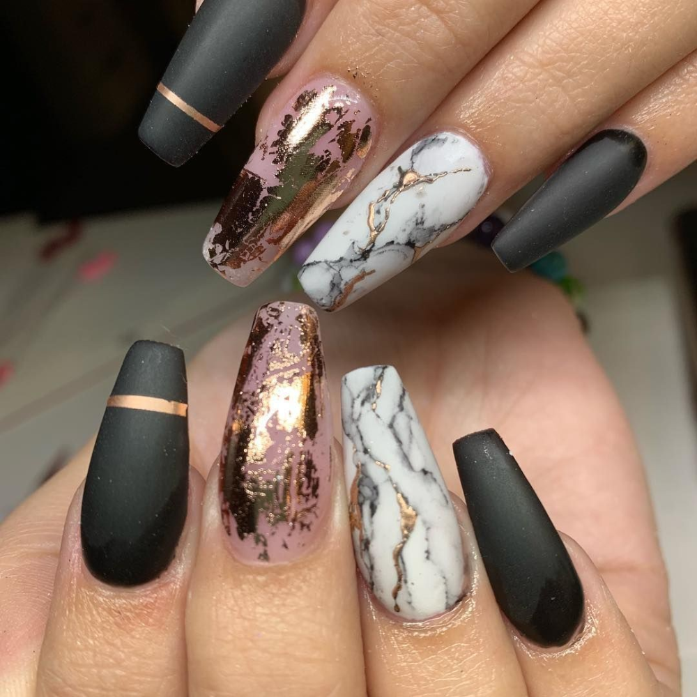 Rose Gold Black Gold Marble Nails In 2020 Coffin Nails Designs Gold Nails Classy Nails