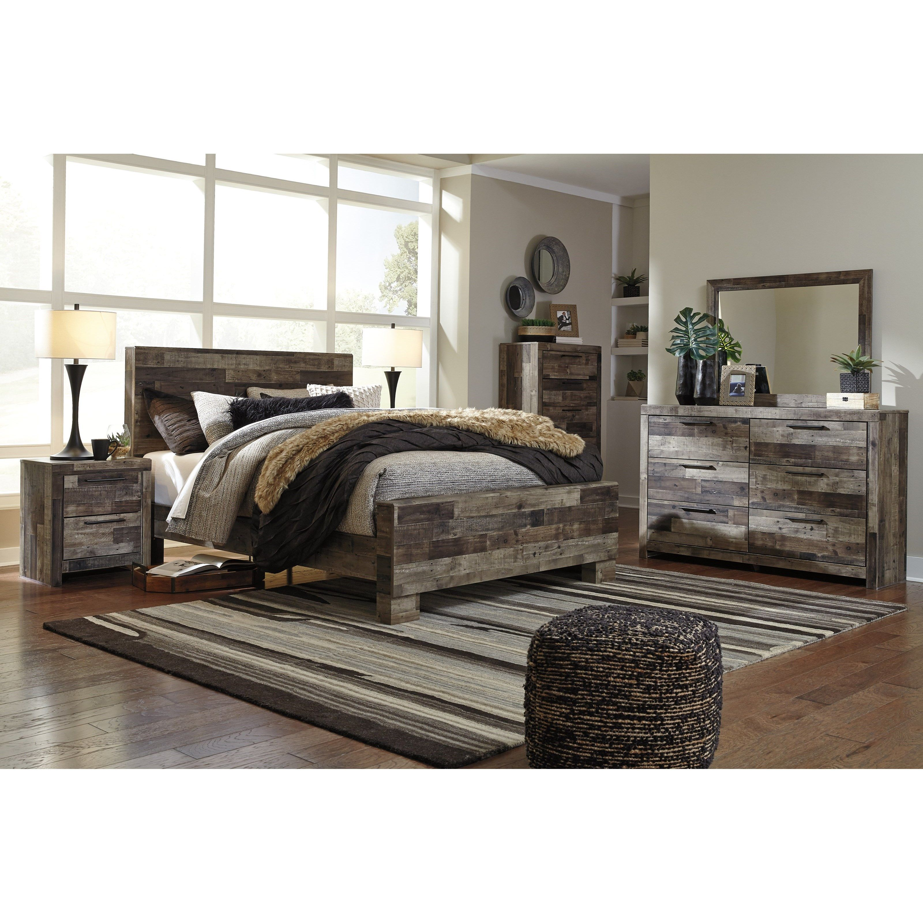 Derekson Queen Bedroom Group by Benchcraft at Miskelly