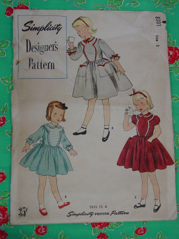 Abito modello del bambino di modello vintage 1950 semplicità di  progettazione 81606f03dd11