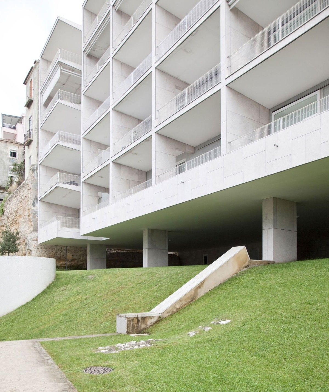 Álvaro Siza . 'Terraços de Bragança' housing complex . Lisbon (3)