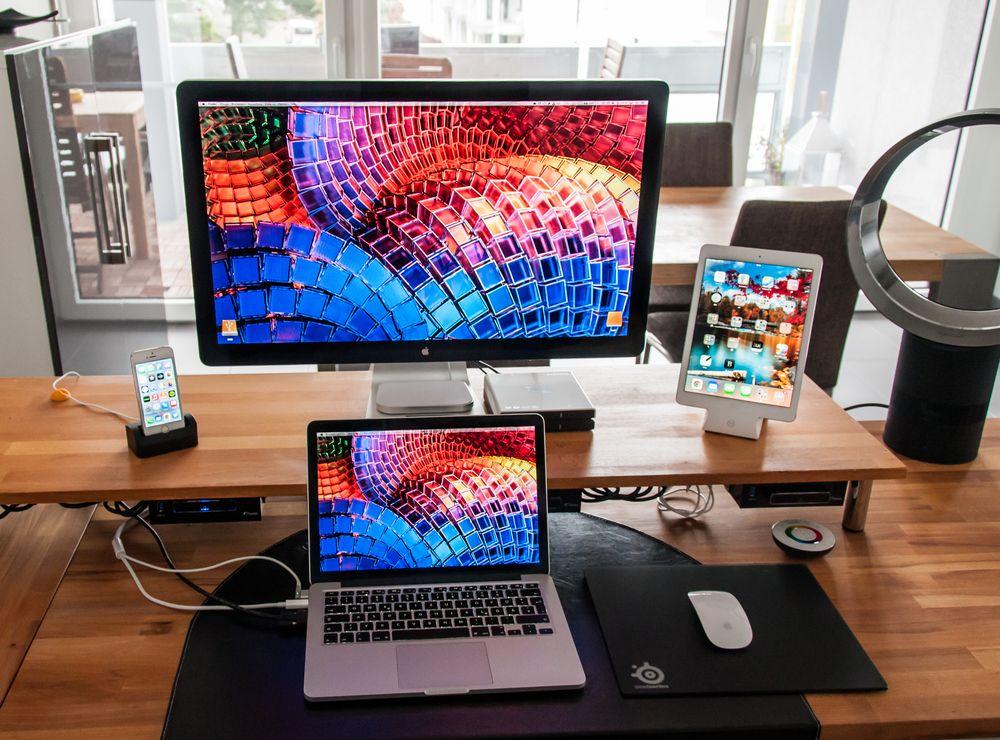 Macbook Pro Blackberry Office Setup Google Search Home Office