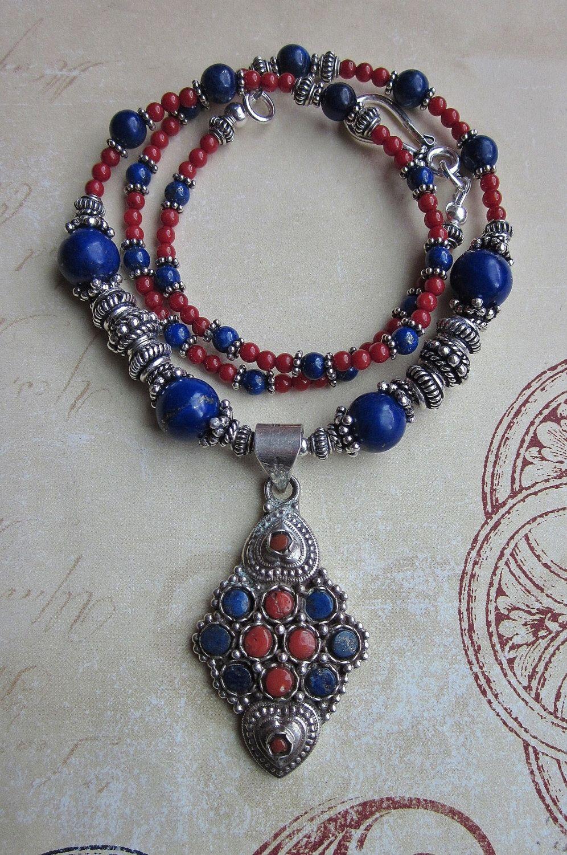 Silver circles necklace with Lapis Lazuli semi precious beads