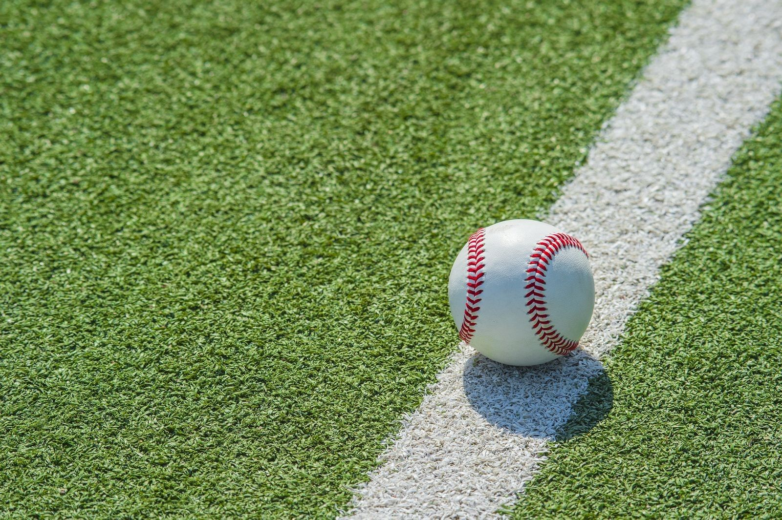 Discover How High Quality Artificial Grass In St Louis Can Improve The Ballparks Of America S Most Baseball Crazy Baseball Field Baseball Match Baseball