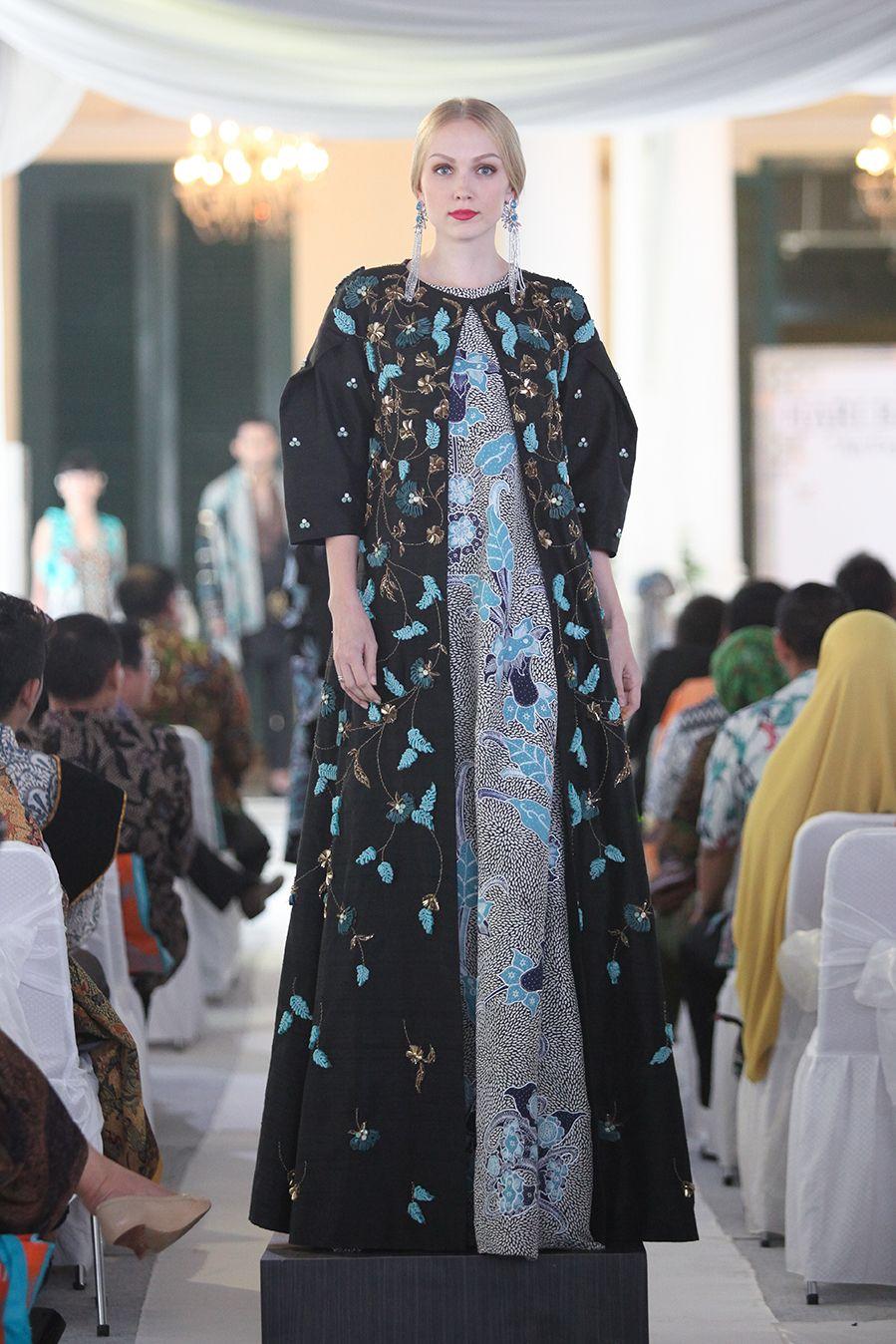 Perayaan Hari Batik Nasional Digelar Meriah Oleh 3 Desainer Ternama
