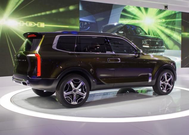 The Telluride Is Poised To Challenge Toyota S Landcruiser And Infiniti Qx80 But A Closer Look Reveals Traces Of Volvo Xc90 Jeep Renegade