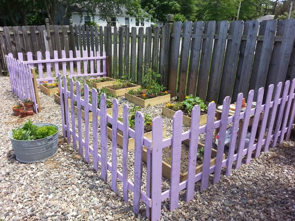 Lovely Garden Mini Fence #6: Make A Garden Picket Fence From Pallets.. Paint It A Whimsical Color To Add