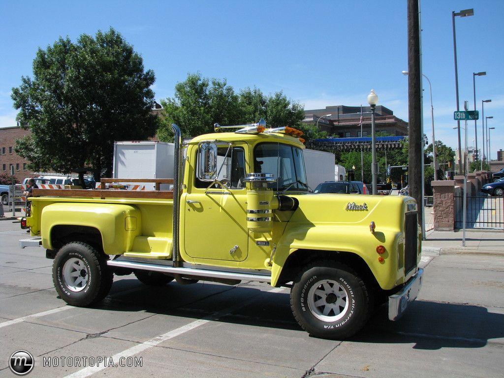 Mack pickup