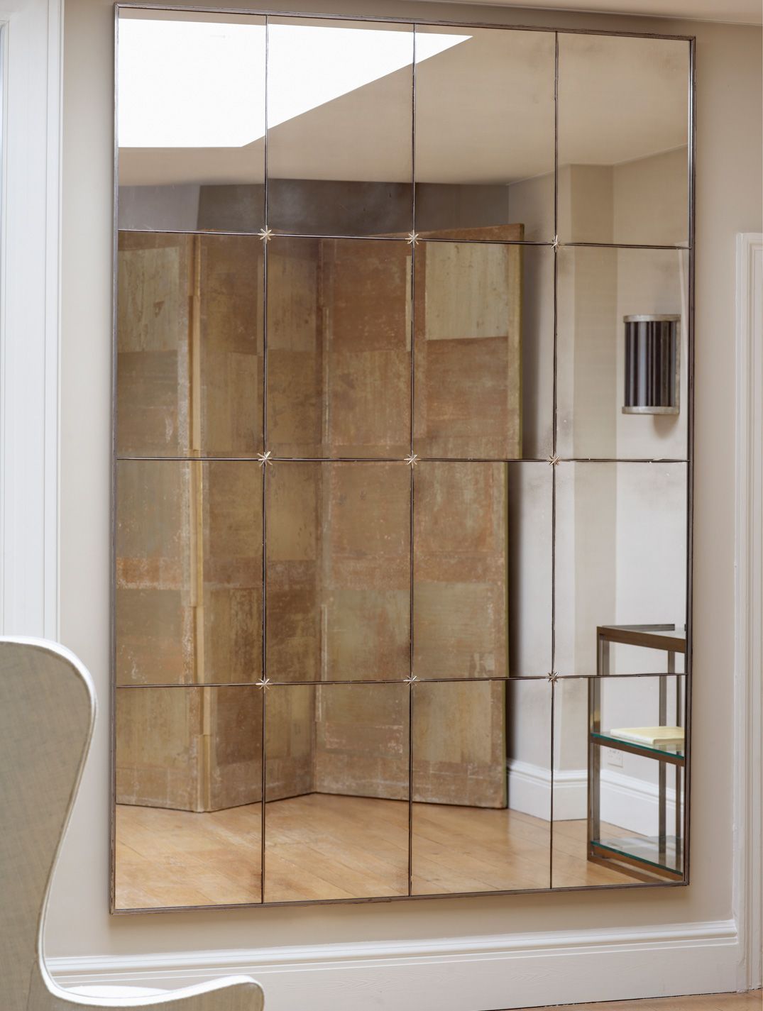 Panelled mirror | Lighted wall mirror, Wall design, Living ...