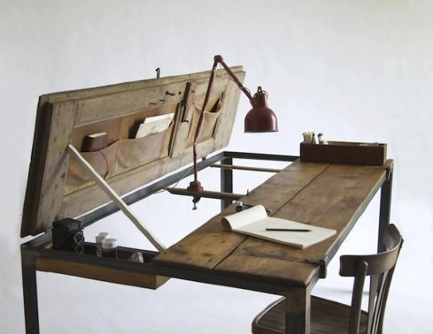 Love this desk! I'd be so inspired to get creative...