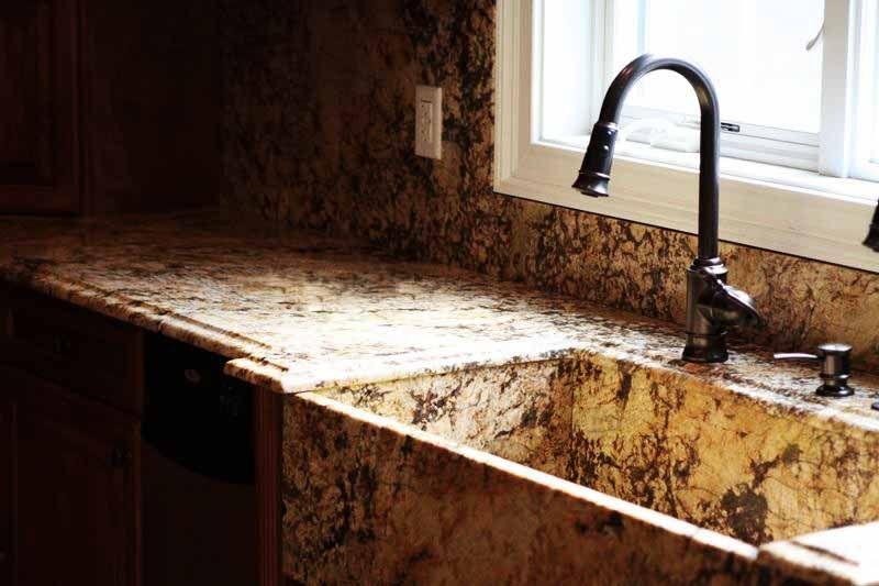Strahlende Granit Mascarello Besitzen Eine Einmalige Schonheit Ausserdem Werden Sie Erstklassig Verarbeitet Http Granit Arbeitsplatte Arbeitsplatte Granit