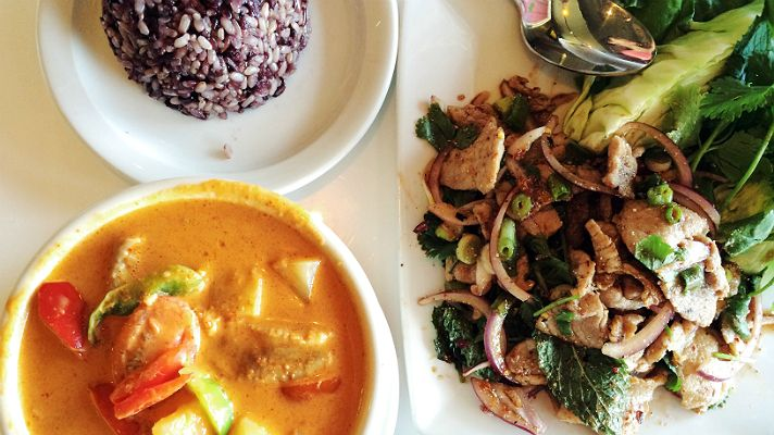 Lum Ka Naad This Is The Perfect Place To Go For A Crash Course In Regional Thai Food The Husband And Wife Team Are Best Thai Food Best Thai Restaurant Food