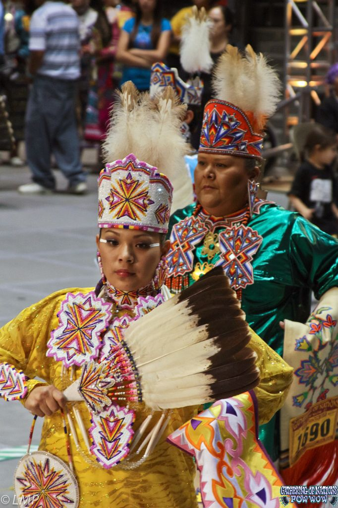 Amazing Native American Jingle Dress Pictures Powwow Dancers Womens Hairstyles For Women Draintrainus