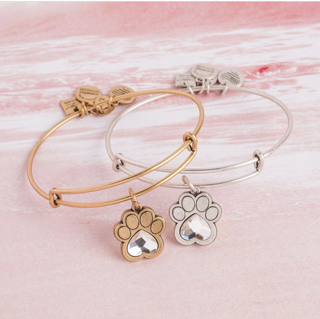 Alex And Ani Pet Paw Print With Crystal Con Imagenes Pulseras Accesorios