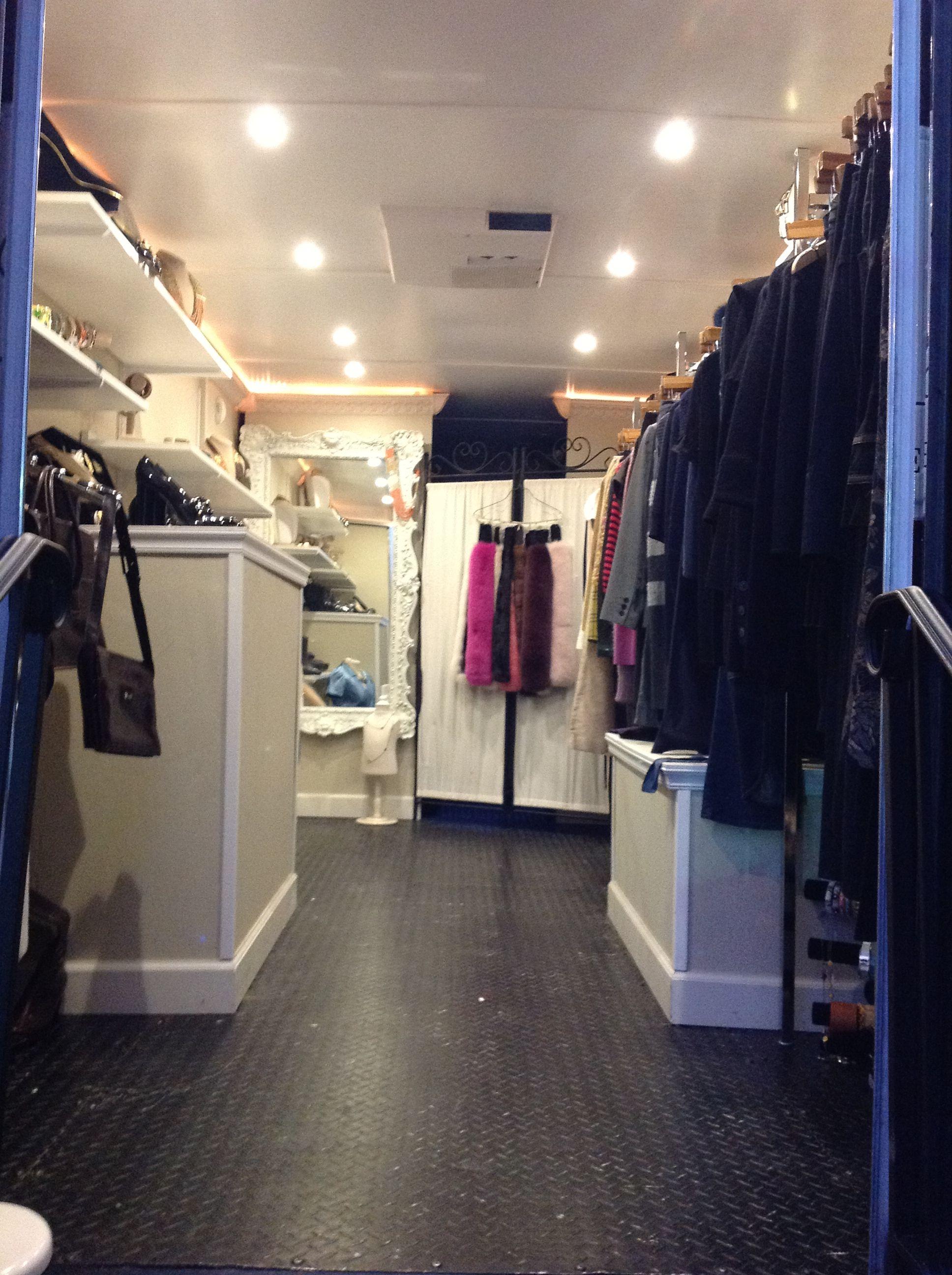 Le Fashion Coupe Mobile Boutique Boutique Display Ideas Retail Stores Mobile Fashion