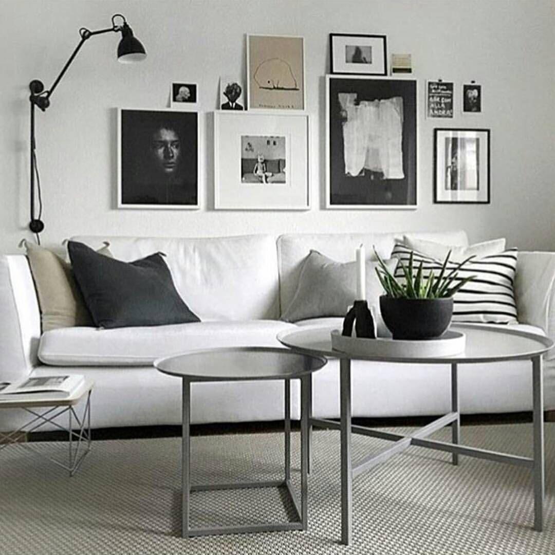 Hemma hos ett av mina favorit konton @49kvadrat har hon köot hem @domo_design soffbord i härlig grå färg. Och det passar så enormt bra hemma hos henne! (Regram:@49kvadrat ) #onetofollow #gofollowher