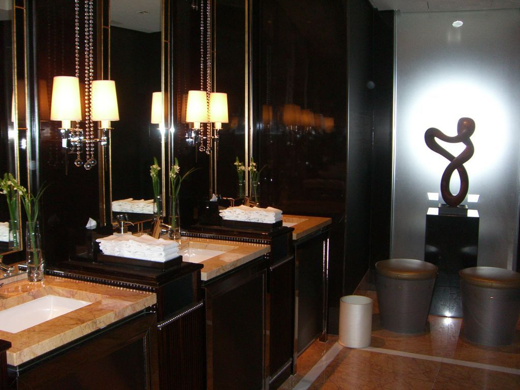 Boutique hotels luxury bathrooms top 5 tips on how to for Leading boutique hotels of the world