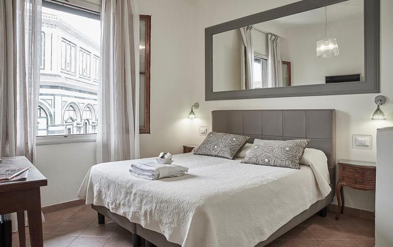 Soggiorno Battistero Florence | Florence hotels, Home ...