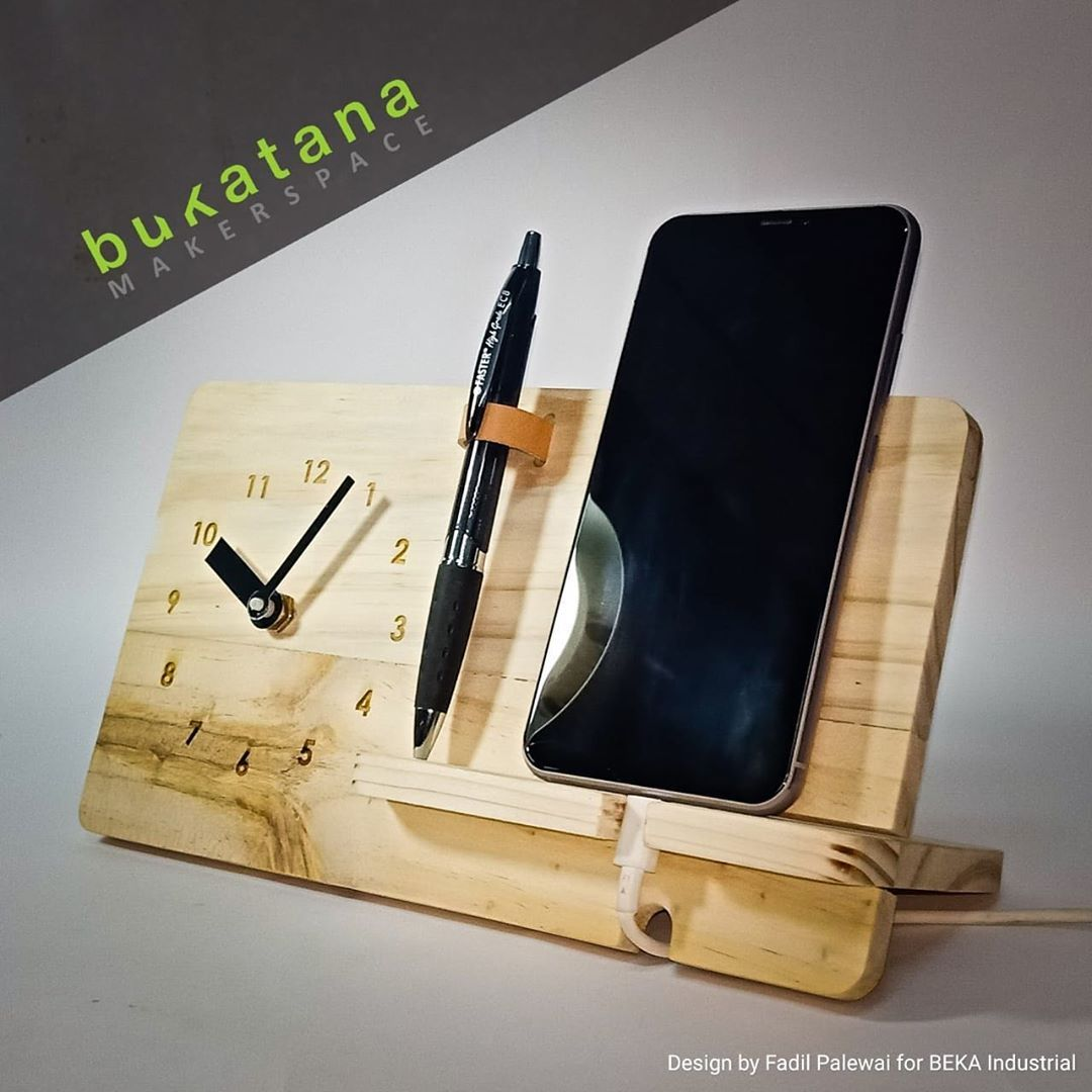 Home Deskdecor Ideas: INTRODUCING OUR NEW PRODUCT Beka A Simple Wood Desk Clock