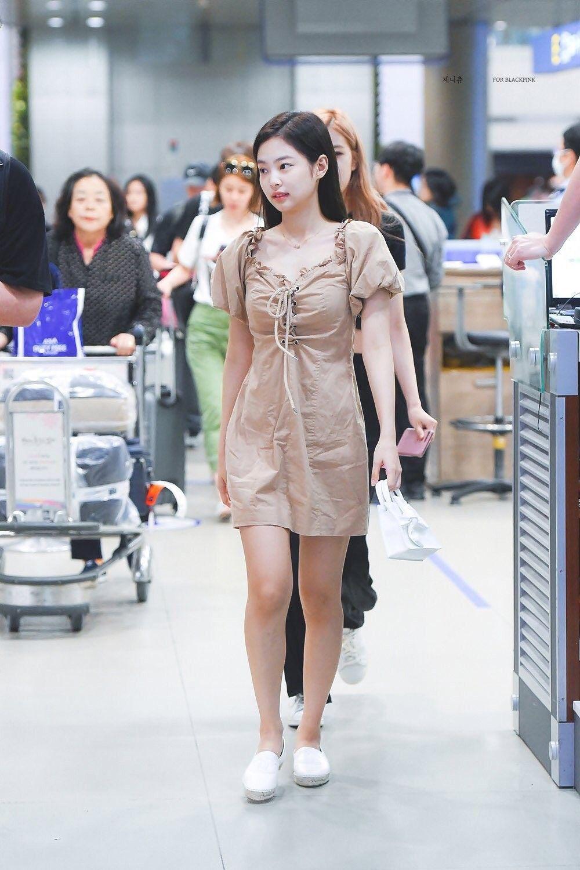 Blackpink Jennie 180818 Airport Fukuoka Incheon Pakaian