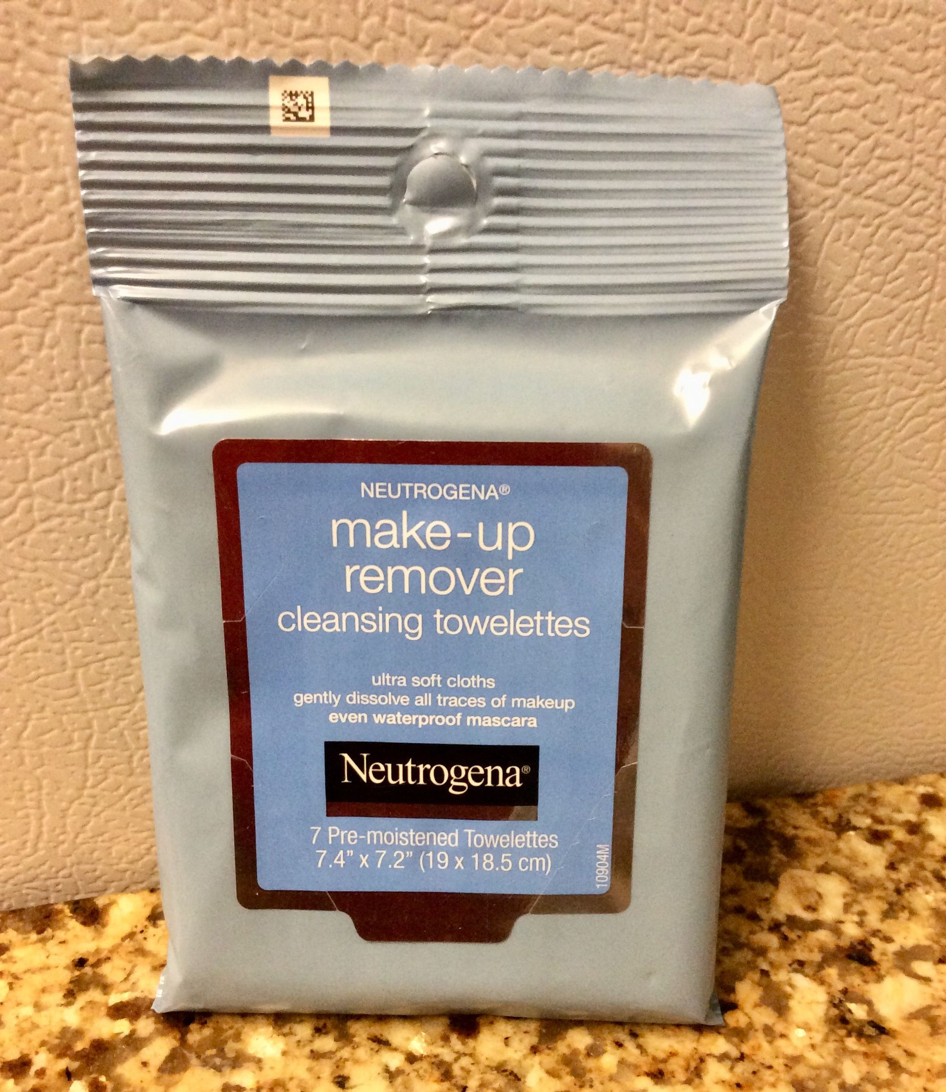 Neutrogena Trial Size Make Up Remover Cleansing Towelettes