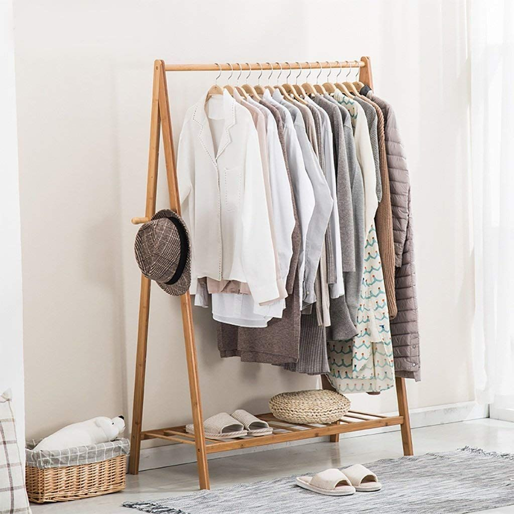 Gurulos Ruhasszekreny Feher Schrankdekoration Garderobe