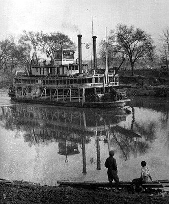 The river boat bowling green on the green river my grandfather was the river boat bowling green on the green river my grandfather was a river boat publicscrutiny Image collections