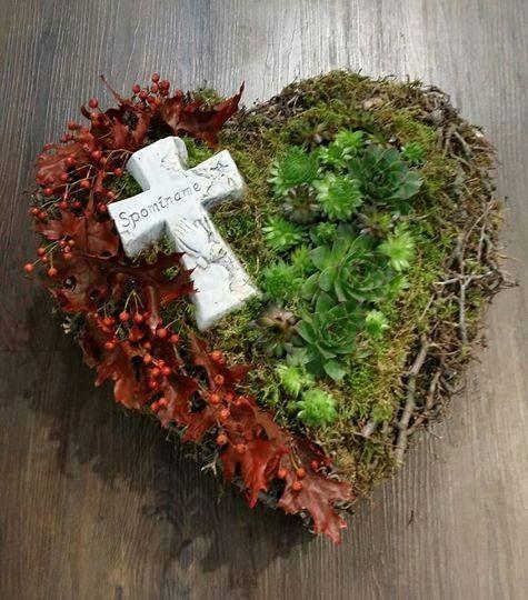 Flower adventure: Wianek i serce-kompozycje nagrobne #friedhofsdekorationenallerheiligen