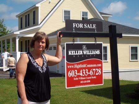 Donna Rattee, Real Estate Broker Rochester NH, Highfield Commons