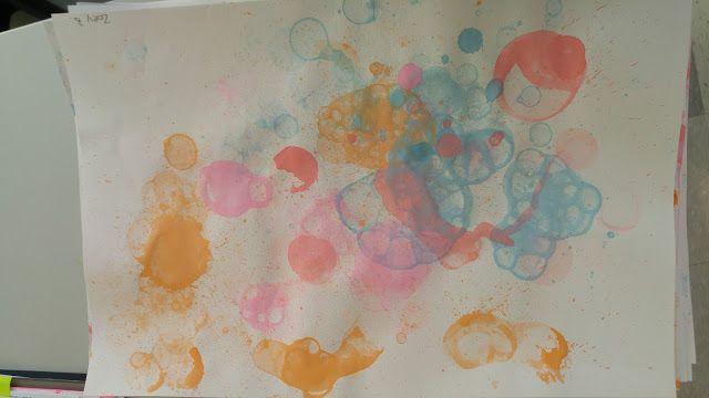 La maternelle de Francesca: Peinture avec les bulles!