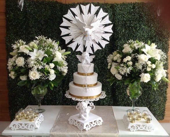Locac u00e3o Decoraç u00e3o Provençal Acompanha painel de folhas , mesa , aparador , escada para  -> Decoração De Primeira Comunhão Simples Com Flores