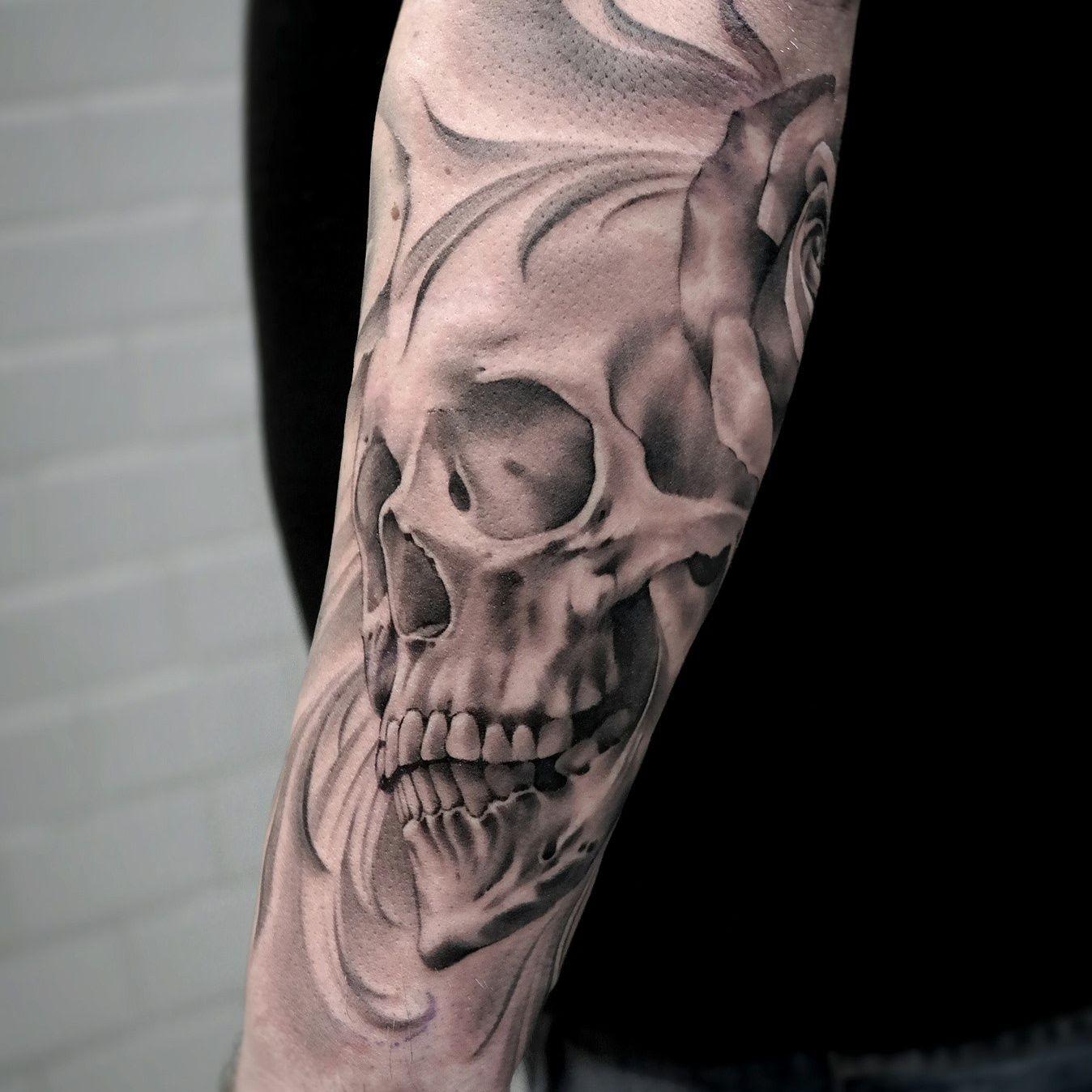 @makaivio_desenhos   tattoo   Pinterest   Tattoo   Black And Grey Skull Tattoo Designs