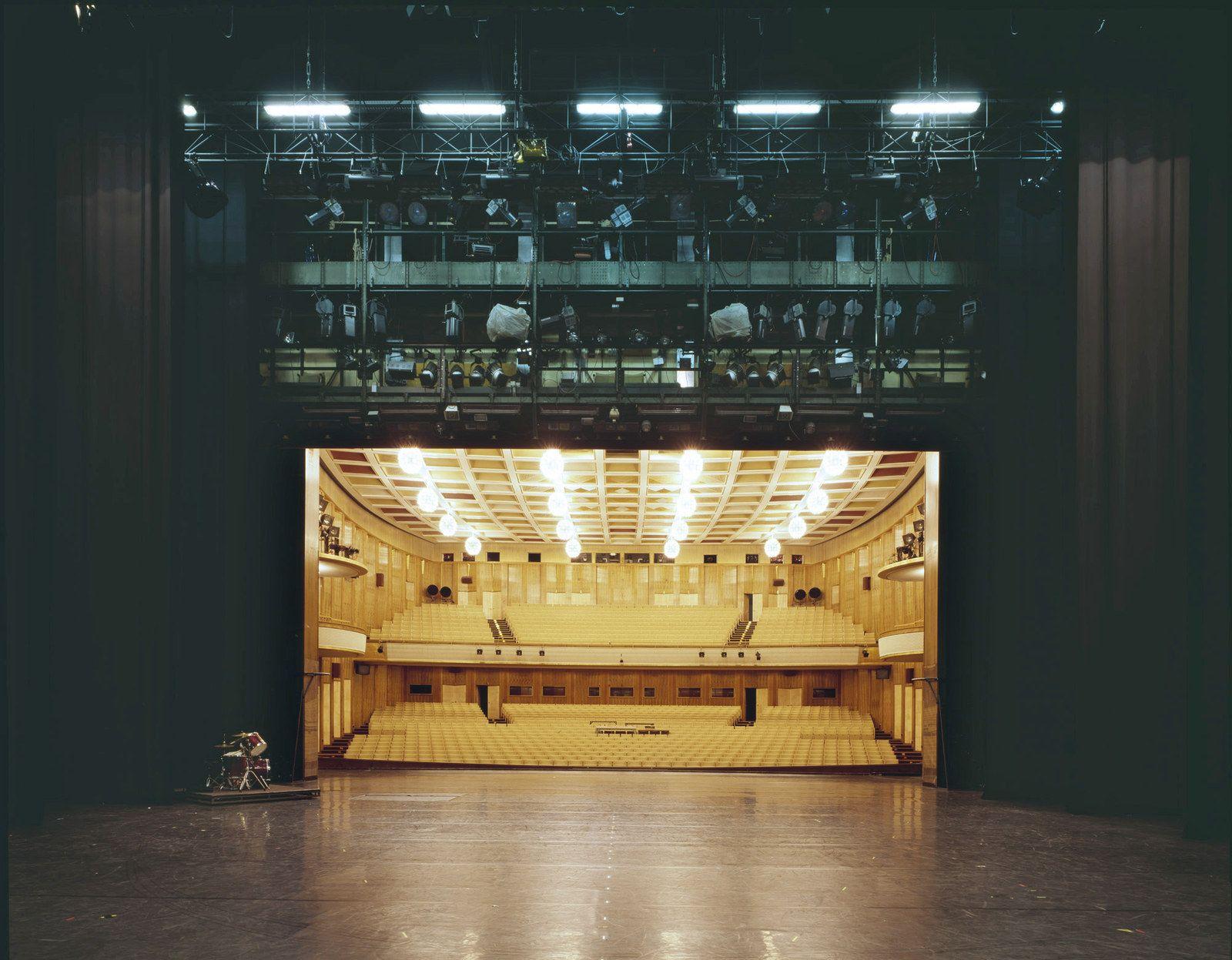 Photographer Klaus Frahm Has Documented The Eye Opening Views Seen From Theatre Stages Escenario Fotos Escenario Teatro
