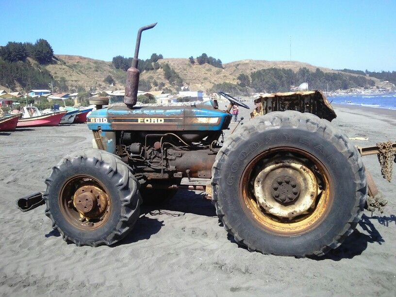 Tractor Ford Visto En Caleta Duao Chile Monster Trucks