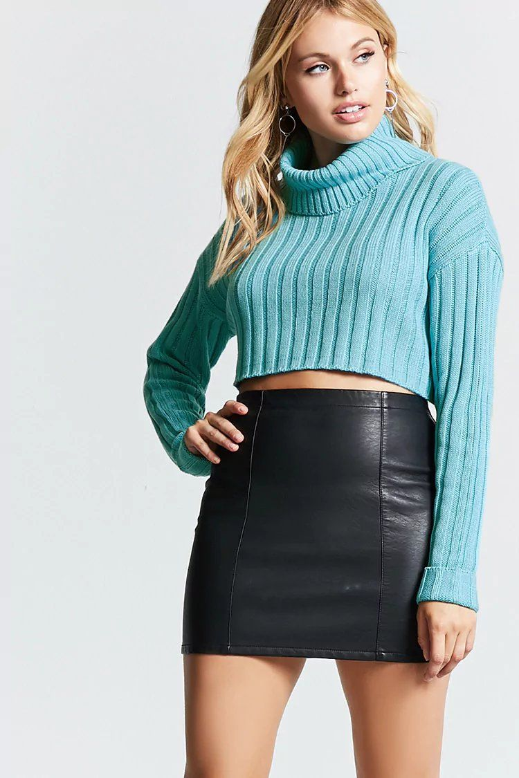 d23a34b7579 Cropped Turtleneck Sweater